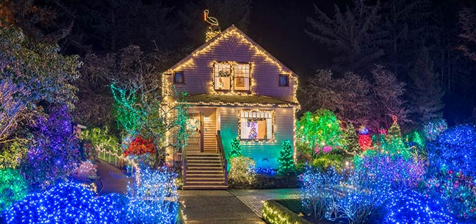 The Dazzling Annual Shore Acres Holiday Lights Display is Coming!